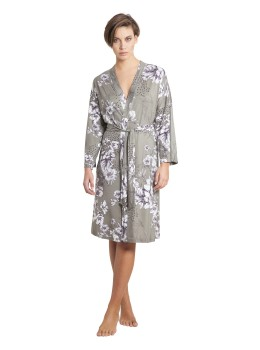 Home-Kimono Stretch